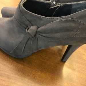 Naturalizer Dusty Blue Brushed Suede Zip Bootie